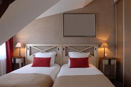 93667_007_Guestroom