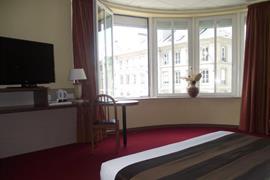93613_007_Guestroom
