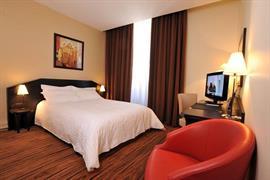 93526_002_Guestroom
