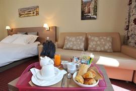 93526_006_Guestroom