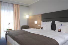 95012_006_Guestroom