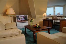 95233_005_Guestroom