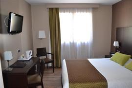 93672_002_Guestroom