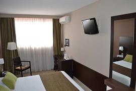 93672_004_Guestroom