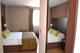 93672_005_Guestroom