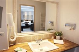 93750_002_Guestroom
