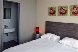 92931_004_Guestroom