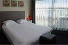 92931_005_Guestroom