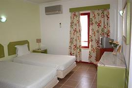 72064_007_Guestroom