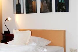 95086_007_Guestroom
