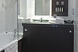 93736_004_Guestroom