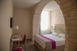 93813_006_Guestroom