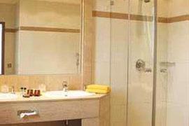 95185_005_Guestroom