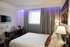 93751_002_Guestroom