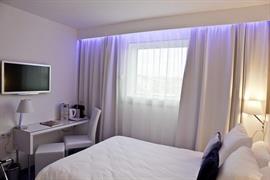 93751_004_Guestroom