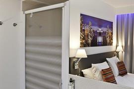 93751_006_Guestroom