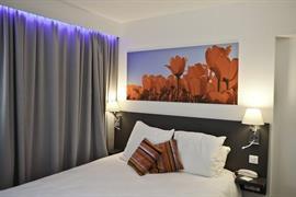 93751_007_Guestroom