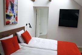 96006_005_Guestroom