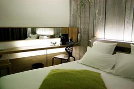 93728_007_Guestroom