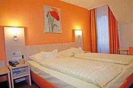 95430_002_Guestroom