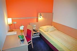 95430_003_Guestroom