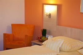 95430_005_Guestroom