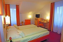 95430_006_Guestroom