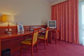 81014_006_Guestroom