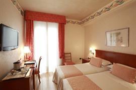 98068_006_Guestroom