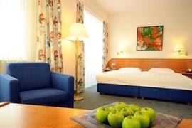 95210_007_Guestroom