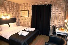 88136_002_Guestroom