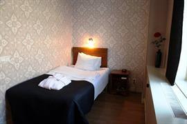 88136_004_Guestroom
