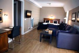 88136_005_Guestroom