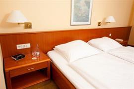 95295_002_Guestroom