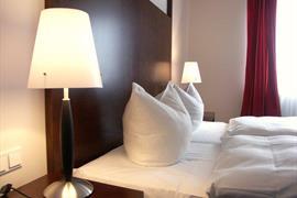 95183_005_Guestroom