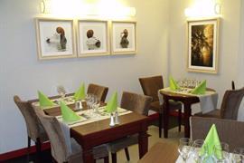 93632_007_Restaurant