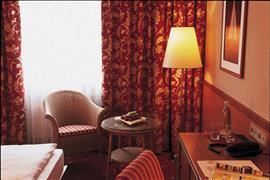 95305_003_Guestroom