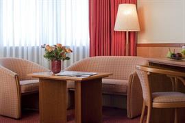 95305_005_Guestroom