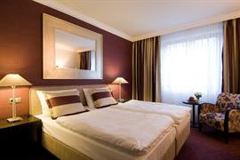 95305_007_Guestroom