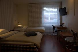 88200_001_Guestroom