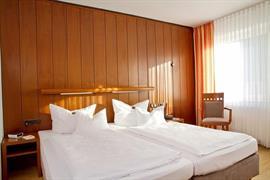 95425_005_Guestroom