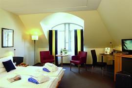 95457_002_Guestroom
