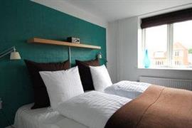 96087_007_Guestroom