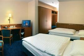 92613_004_Guestroom