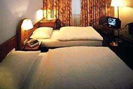 92613_006_Guestroom
