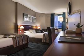 93610_002_Guestroom