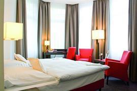 95134_006_Guestroom