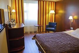 91071_006_Guestroom