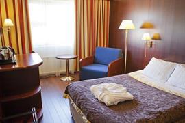 91071_007_Guestroom