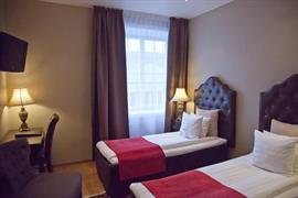 88180_007_Guestroom